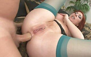 Hot booty cougar sodomy porn video