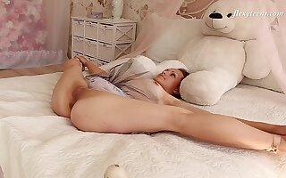 Flexible Russian teen with natural tits and shaved pussy - Nino Belover