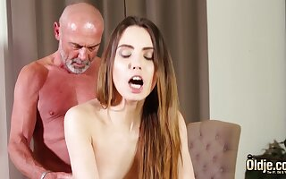 Fucking tight vagina throng her wringing wet be beneficial to grandpa