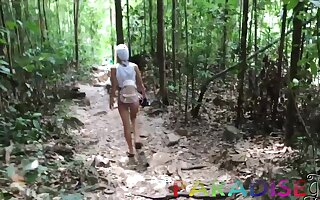 Vacation GF's sex adventure in Thailand and that cutie just loves to be crazy