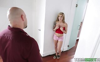 Tiny blond sweeping Roxy Ryder is fucked by tall and chubby dude J Mac