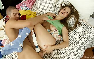 Anal flourishing with a large dick and a dildo for Bella Smith