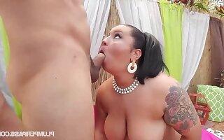 Fat Diana Nicole open-air